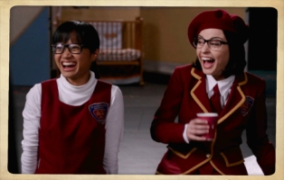 girls laughing pixlr