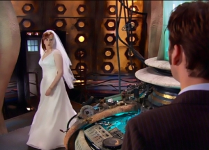 Donna arrives in wedding dress pix wc