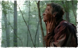 Carol Melissa McBride Poncho No Sanctuary The Walking Dead