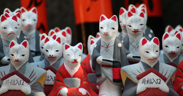 Celestial foxes are sometimes referred to as Inari foxes because of their association with the Shino God Inari. Image: Fushimi Inari Fox by Hector Gutierrez