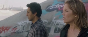 Travis Manaway (Cliff Curtis) and Madison Clark (Kim Dickens) questions what is happening