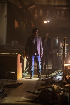 Travis Manaway (Cliff Curtis) and Madison Clark (Kim Dickens) visit the abandoned church. Photo by Justin Lubin/AMC