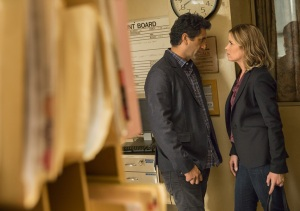 Travis Manaway (Cliff Curtis) and Madison Clark (Kim Dickens) at school Photo by Justin Lubin/AMC