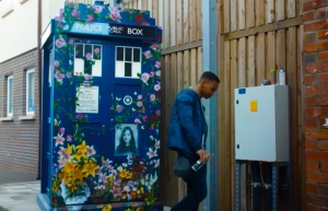Rigsy paints the TARDIS Doctor Who Face the Raven
