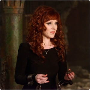 Ruth Connell Rowena 800 Supernatural Brothers Keeper