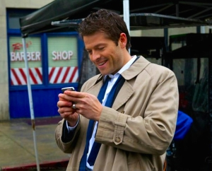 castiel twitter supernatural the french mistake sq