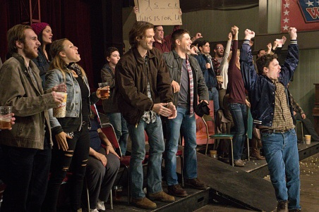 """Supernatural -- """"Beyond The Mat"""" -- Image SN1115b_0264.jpg -- Pictured (L-R): Jared Padalecki as Sam and Jensen Ackles as Dean -- Photo: Liane Hentscher/The CW -- © 2016 The CW Network, LLC. All Rights Reserved."""