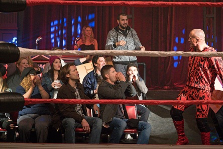 """Supernatural -- """"Beyond The Mat"""" -- Image SN1115b_0123.jpg -- Pictured (L-R): Jared Padalecki as Sam, Jensen Ackles as Dean, and Paul Lazenby as Hellrazor -- Photo: Liane Hentscher/The CW -- © 2016 The CW Network, LLC. All Rights Reserved."""