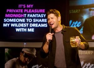 Dean sings Karaoke Supernatural Black
