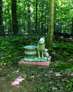 Lily Dale Pet Cemetery Cat kitten statue big