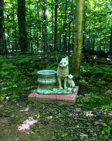 Lily Dale Pet Cemetery Cat kitten statue big
