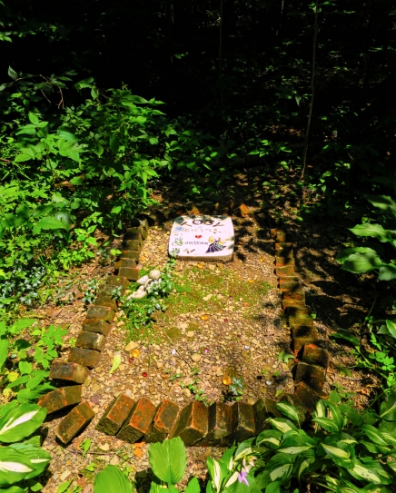 Lily Dale Pet Cemetery Toby