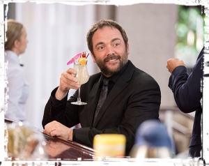 crowley-drink-supernatural-the-foundry