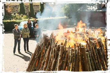 funeral-pyre-supernatural-celebrating-asa-fox