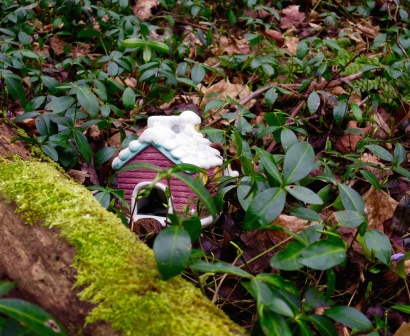 lily-dale-fairy-trail-2-brown-house