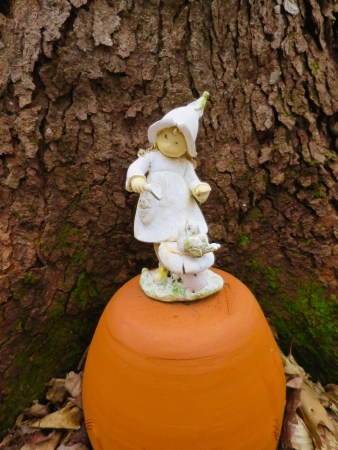 lily-dale-fairy-trail-2-fairy-on-pot