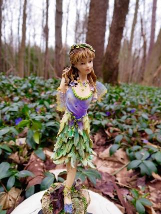 lily-dale-fairy-trail-3-one-legged-fairy