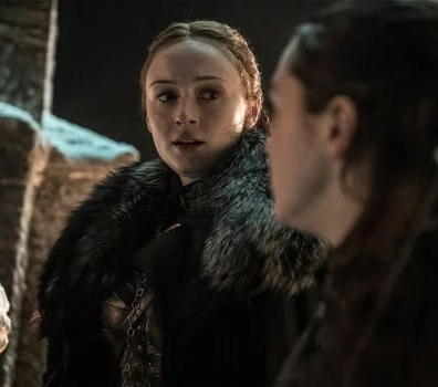 Sansa Stark (Sophie Turner) and Arya Stark (Maisie Williams) prepare for the battle with the dead