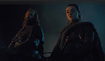 Sandor Clegane and Arya Stark arrive outside King's Landing